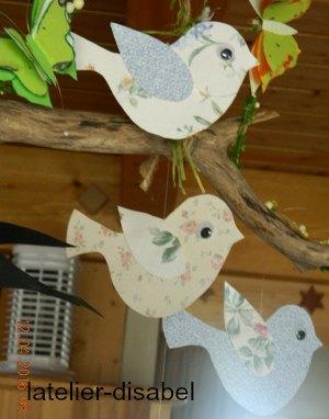 mobile printemps hirondelles oiseaux et papillons