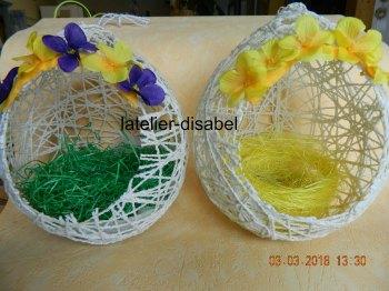 oeuf de Pâques réalisé avec de la ficelle et colle